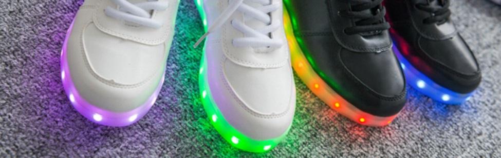 Chaussures lumières avec plein de couleurs